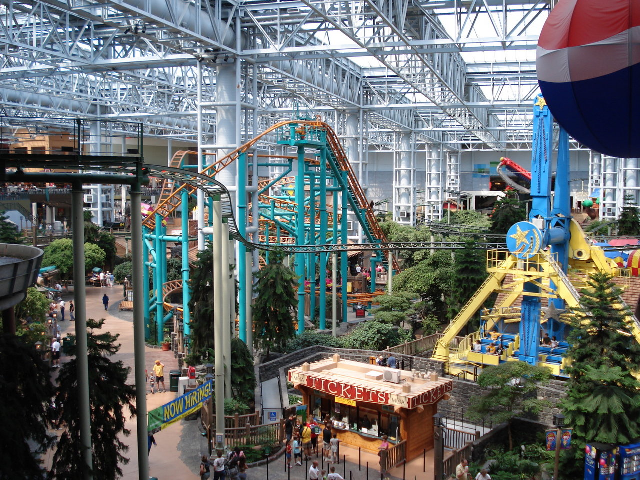 Mall of America sure is a huge mall. It seems like it is 4 or 5 malls all smashed into one with multiple floors, very large food court area (although there are eateries available throughout the mall), an amusement park, an aquarium and a movie theater.4/4().